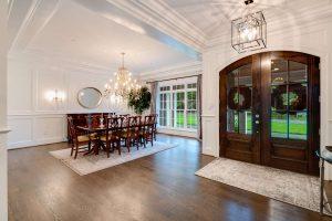 Entrance/dining room